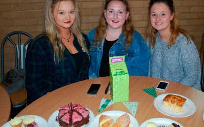 Nescot students raise £520 for Macmillan Cancer Support through cake sales