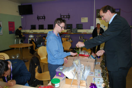 Christmas card project raises £525 for charity